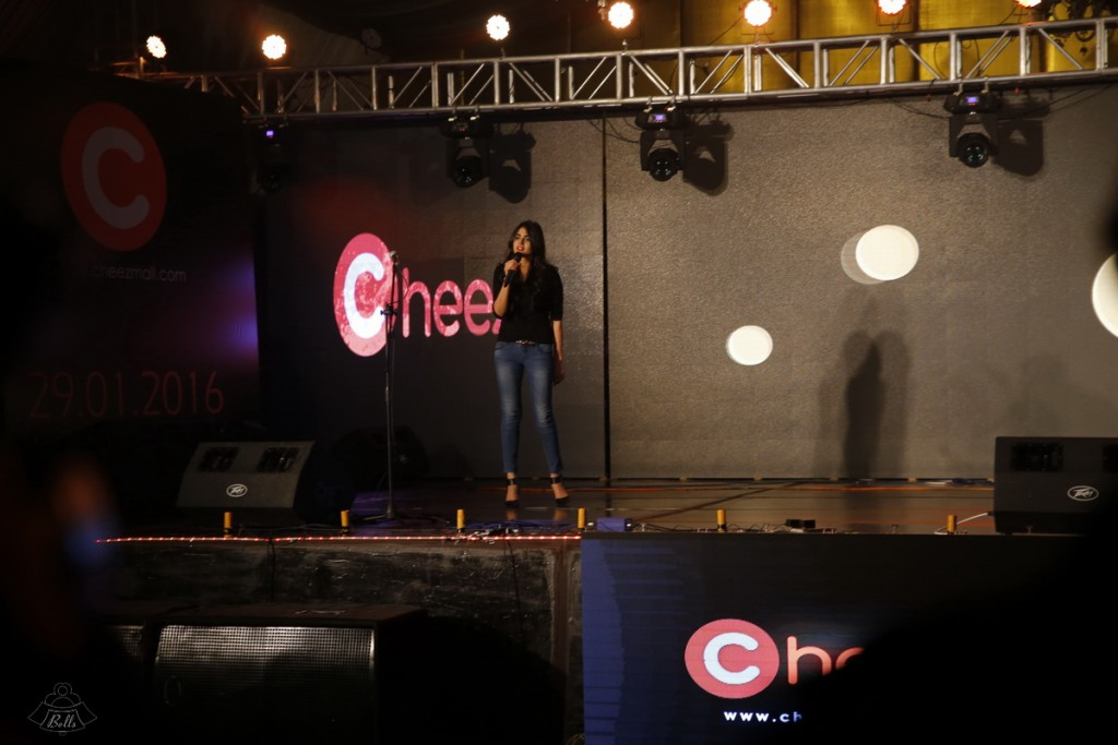 Hira Hosting The Cheezmall.com Show