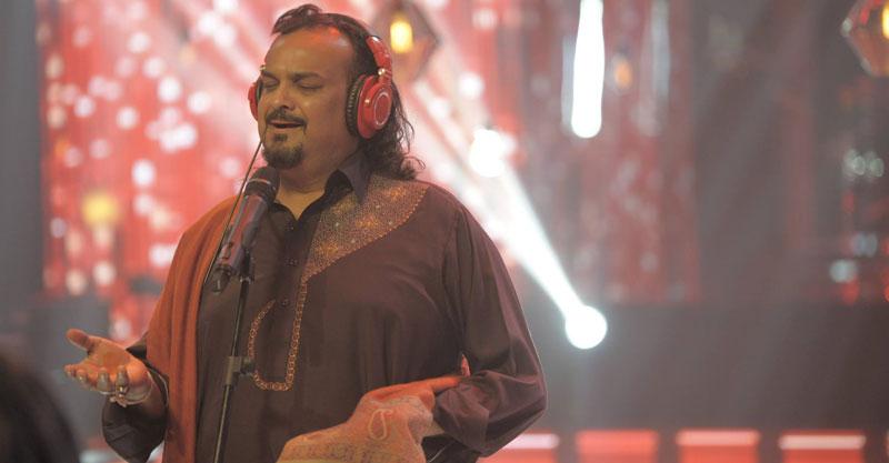 Coke-Stuido-9-Amjad-Sabri-performing