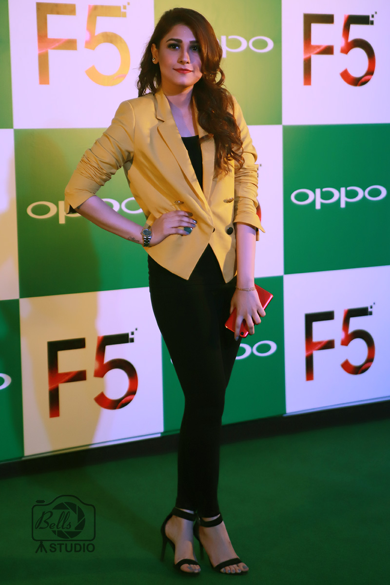Hina Altaf Khan at OPPO F5 Launch